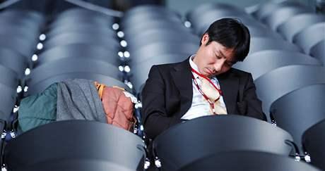 Celonoční jednání v Kodani zmohla nejednoho delegáta (19. listopadu 2009)