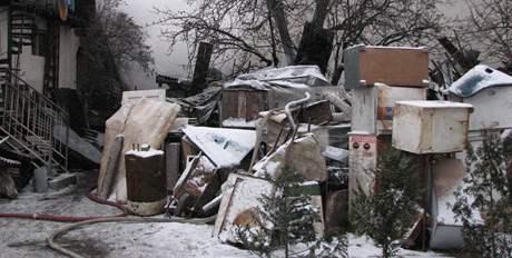 Rodinný dům v Brně-Heršpicích shořel. Spolu s ním i přilehlá stodola