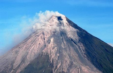 Probuzená filipínská sopka Mayon