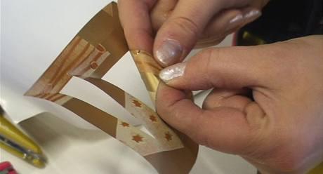 Výroba ozdob z balicího papíru