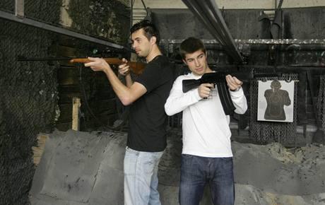 Olomoučtí fotbalisté Michal Ordoš (vlevo) a Pavel Šultes