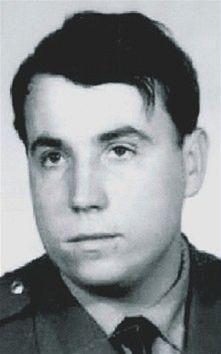 14 LET U StB - Paleček jako jeden z mála bývalých příslušníků Státní bezpečnosti udělal velkou kariéru i v tajné službě BIS. 20 let po revoluci je tento muž zodpovědný za její nejtajnější akce