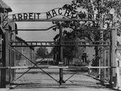Brána koncentračního tábora Osvětim