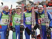Ruská štafeta biatlonistek (zleva): Romanovová, Bulyginová, Zajcevová, Slepcovová