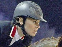 Bývalá tenistka Martina Hingisová na jezdeckých závodech v Paříži v prosinci 2009