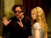 Z nat��en� filmu Alenka v ��i div� - re�is�r Tim Burton a Mia Wasikowska (Alenka)