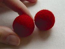 14/ Hotové kuličky, připravené na další zpracování – například do šperků.