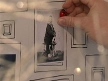 Pod obrázkovou tapetou je magnetický nátěr, na uchycení fotografie tak stačí malý magnet