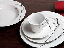V outletu firmy F.R.M. se prodává porcelán i z letošních kolekcí
