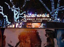 Premiéra Avataru - Leicester Square obehnaly plakáty filmu