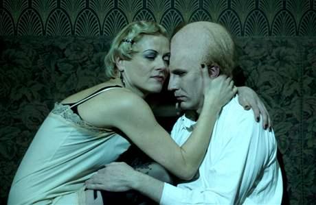 Divadlo Komedie: Weissenstein - Dana Poláková a Martin Finger