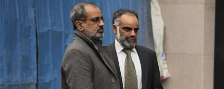 Bratranci Akmala Shaika Soohail a Násir (28. prosince 2009)