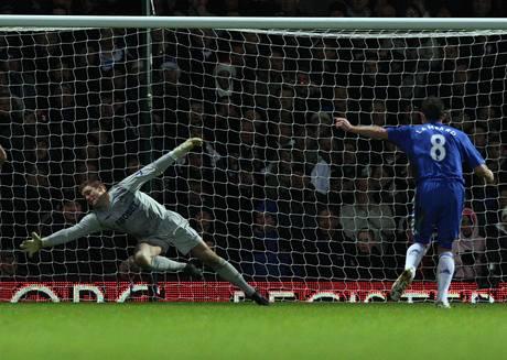 West Ham United - Chelsea: Frank Lampard proměnil penaltu