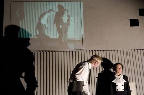 Divadlo Na zábradlí: A tančit! Ladislav Hampl a Kristina Maděričová