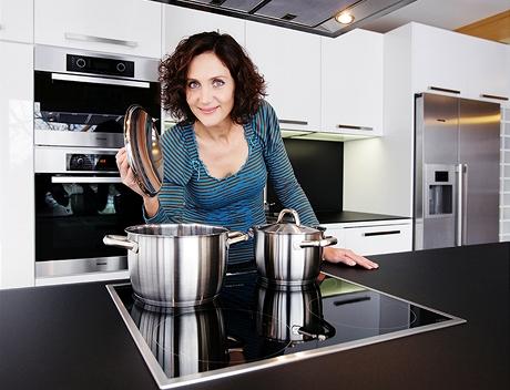 Kvůli indukční desce bylo nutné pořídit si nové nádobí