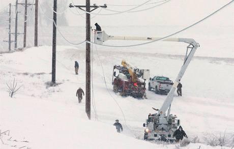 Bouře zasypala Iowu nečekaným množstvím sněhu. V oblasti navíc fouká silný vítr, čeká se další nadílka sněhu i deště (25. prosince 2009)