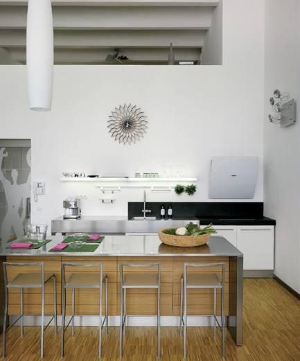 Kuchyňský kout o velikosti deset metrů čtverečních majitelům naprosto vyhovuje