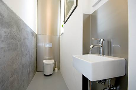 Samostatné WC s umývátkem