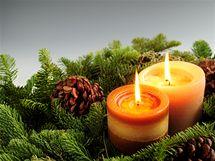 Pozor na svíčky, během pár sekund se dekorace může změnit v oheň