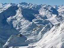 Stubai, lavinový kemp. Pohled do údolí k Soldenu