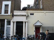 Lokace z filmu Notting Hill - Willův dům s číslem 280 na Westbourne Park Road (dveře změnily barvu)