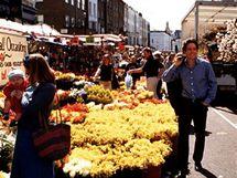 Lokace z filmu Notting Hill - trh na Portobello Road v létě