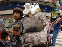 Buenos Aires, chudáci v luxusním centru metropole