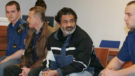 Brněnský městský soud odsoudil Dušana Lacka (vpravo) k 12 měsícům vězení a Jana Turka (vlevo) k 10 měsícům za loupeže.
