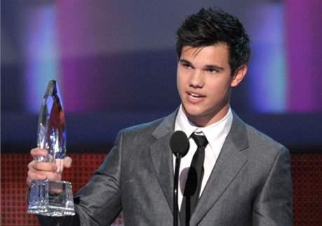 z předávání People's Choice Awards 2010 (Taylor Lautner)