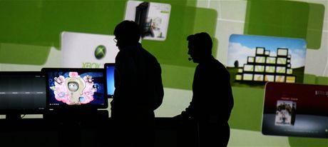 CES 2010 - když vypadne proud, i Steve Ballmer musí půl hodiny počkat.