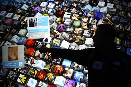 CES 2010 - Intel předvedl sílu nového procesoru I7. Takto podle něj vypadá vyhledávání budoucnosti