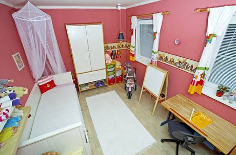 Pokoj malé Nikol je rozdělený do několika funkčních zón