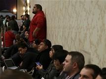 CES 2010 - na úvodní projev Steva Ballmera se čeká několik hodinv dlouhé frontě