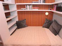 Dcera má místo nevyhovující matrace velkou a pohodlnou postel