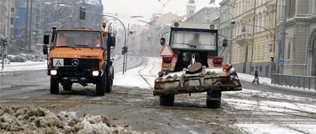 Sypače v centru Plzně. (10. ledna 2010)