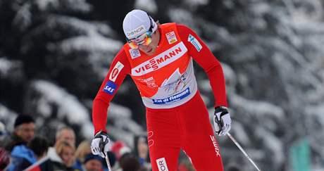 Petter Northug protíná cílovou pásku Tour de Ski na druhém místě.
