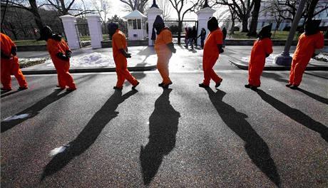 Demonstrace ve Washingtonu proti věznění na Guantánamu