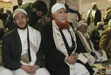 šajch Madžíd Zindaní (uprostřed) na jednání islámských duchovních (14.1.2010
