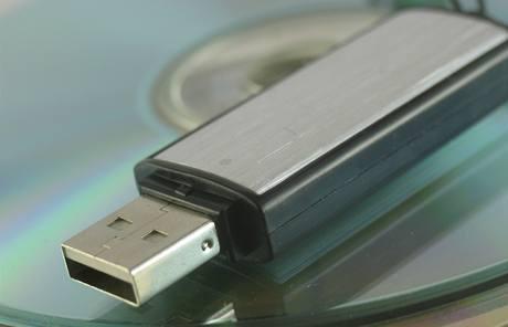 Disk USB (ilustrační foto)