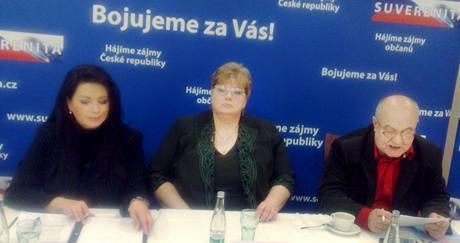 Jana Bobošíková, Jana Volfová a Petr Hannig na tiskové konferenci v Praze. (14. ledna 2010)