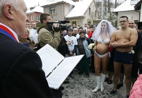 Novomanželé Prokopovi během své netradiční svatby