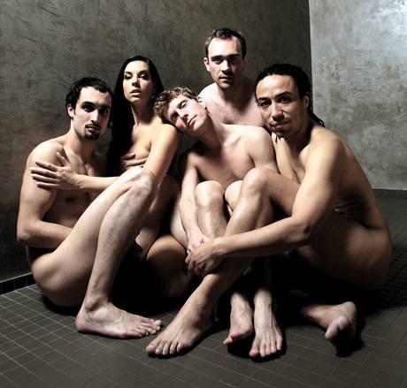 Hrdinové kabaretní komedie Branky, Body, Striptéři
