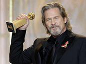 Zlaté glóby 2010 - Jeff Bridges s cenou za film Crazy Heart
