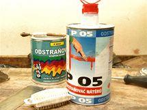 Odstraňovač ředitelný vodou a acetonem