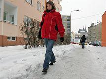 Neudržované chodníky v Brně (Křídlovická ulice poblíž haly Rondo 12. ledna)