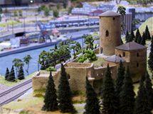 Ústecký kraj v podobě modelové železnice v pražském Království železnic - hrad Střekov.