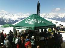 Švýcarsko, Čtyři údolí, Verbier. Při Verbier High Five mají závodníci v ceně registrace pivo