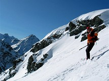 Švýcarsko, Čtyři údolí, Verbier. Mezi skály na freeride jedině s průvodcem