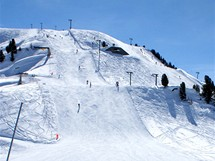 Švýcarsko. Sjezdovky na Thyonem 2000, který je na východě Čtyř údolí