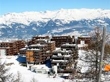 Švýcarsko. Moderní rodinné středisko Thyon 2000